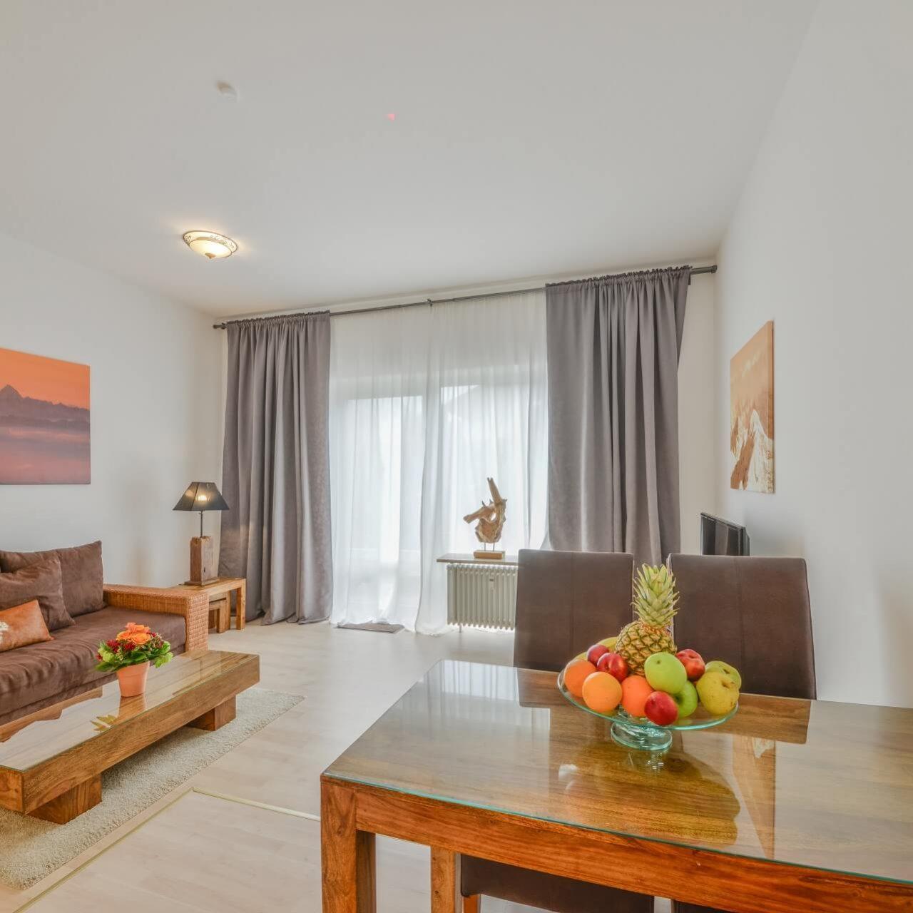 Wohnzimmer der Ferienwohnung Hausberg